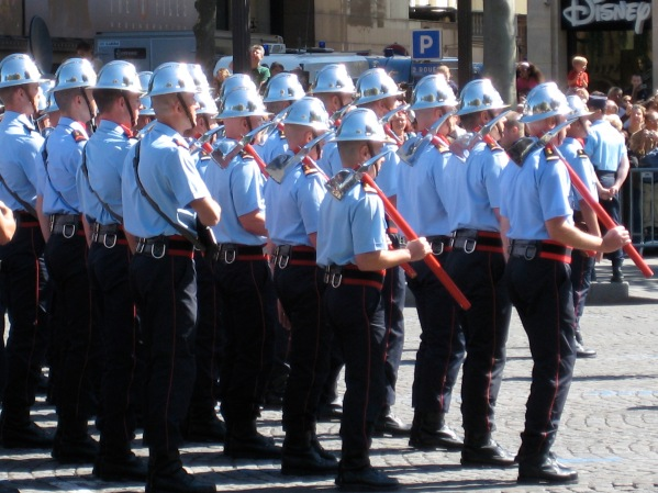 The firemen, the most popular group in the parade