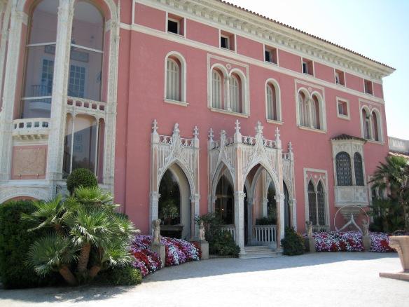 330 Villa and Jardins Ephrussi de ROTHSCHILD