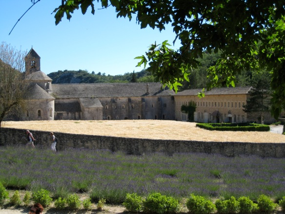 Abbaye de Sénanque and lavender field